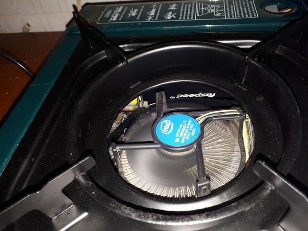 Chết cười với bộ PC bếp ga mini do chính game thủ Việt lắp ráp - Ảnh 4.