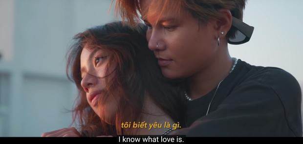 Couple bách hợp gây xúc động khi come out trong vlog của Giang Ơi, nhìn ảnh đời thường tình tứ của họ còn mê hơn nữa - Ảnh 2.
