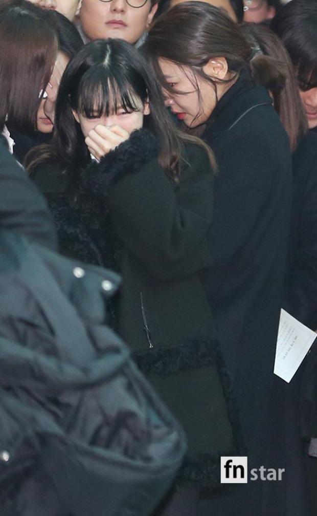 Cô gái đáng thương nhất hôm nay Taeyeon: 4 năm liên tiếp mất đi cả bố, bạn thân và người em thân thiết - Ảnh 5.