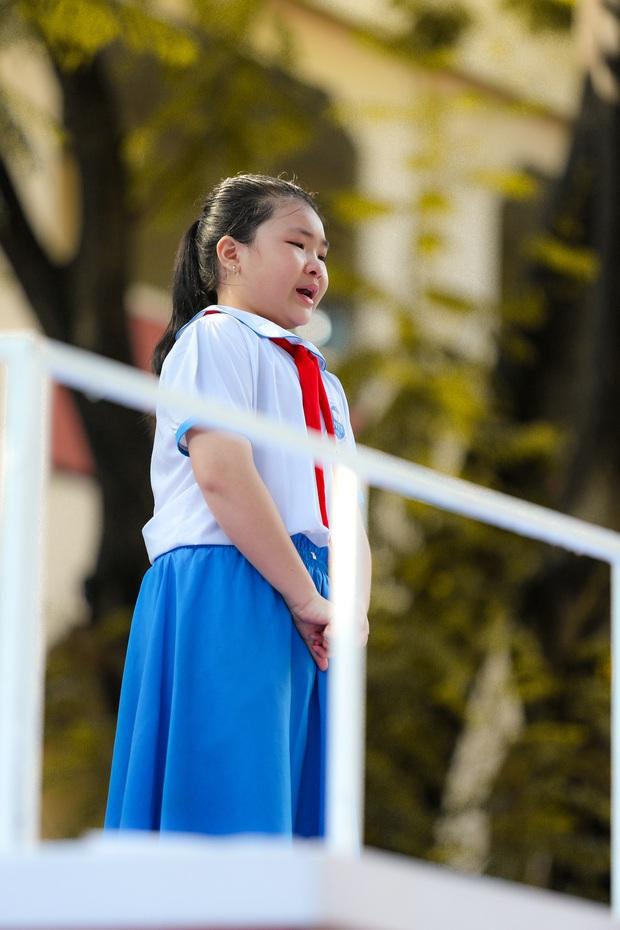 Thiếu niên nói: Con hạc giấy cuối cùng và câu chuyện rớt nước về cô giáo trẻ đã qua đời - Ảnh 3.