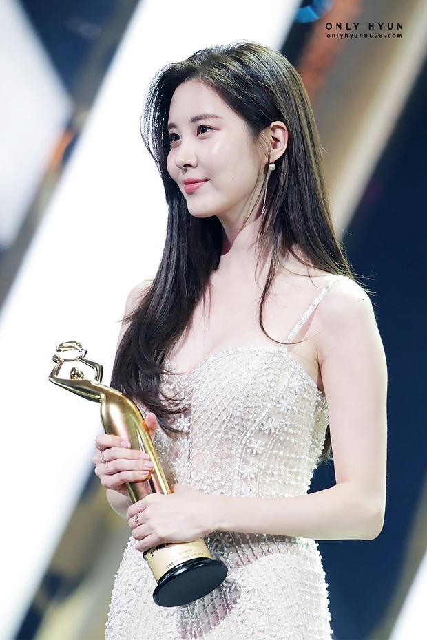 Hiếm có ai thở thôi cũng sang chảnh ngút ngàn như 5 idol nữ Kpop này: Hội siêu giàu châu Á ngay đây rồi? - Ảnh 9.