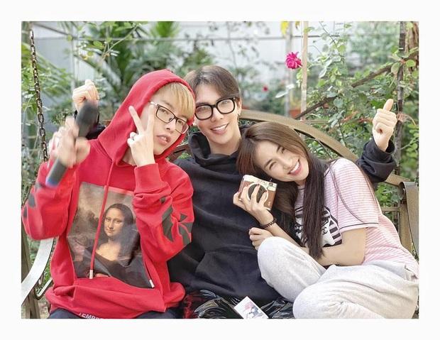 """Hội bạn thân Vbiz cực chăm pha trò: BB Trần - Hải Triều không ngại mất hình tượng, """"bá đạo"""" nhất là gia đình Hoa dâm bụt - Ảnh 4."""