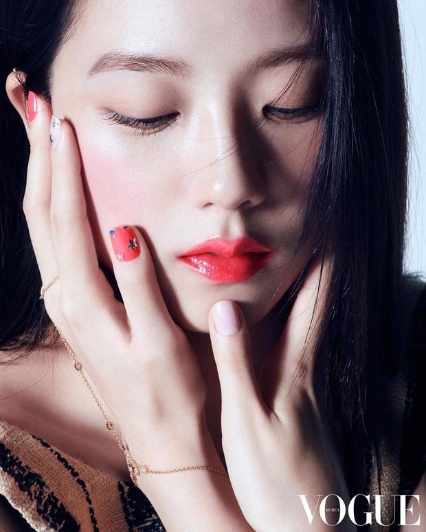 Cá tháng Tư sắp kết thúc, Jungkook (BTS) vẫn kịp dính đạn: Lộ ảnh hẹn hò, sống chung với mẫu trẻ Alex Armanto? - Ảnh 10.