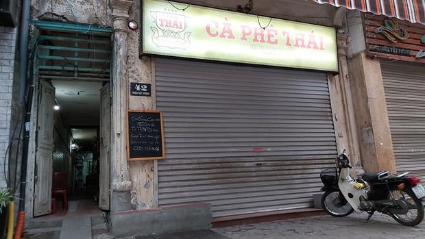 Suốt 90 năm chưa nghỉ, lần đầu tiên phải tạm đóng cửa vì dịch, hàng cà phê rang củi duy nhất ở Hà Nội phải đối mặt với những khó khăn gì? - Ảnh 4.