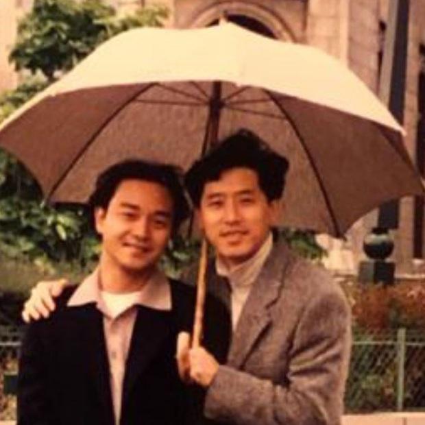 Lại thêm 1 năm Đường Hạc Đức chia sẻ ảnh chụp chung với Trương Quốc Vinh, 17 năm qua tâm tư vẫn hoài nhớ mong - Ảnh 2.