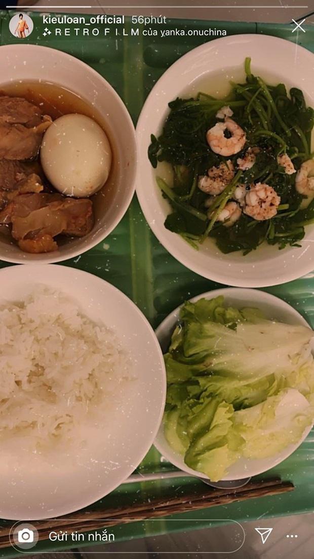 Không nhà hàng đắt đỏ, sao Vbiz tiết kiệm với mâm cơm nhà mùa dịch: Tóc Tiên nịnh chồng món ngon, Băng Di nấu bữa chỉ 50K - Ảnh 17.