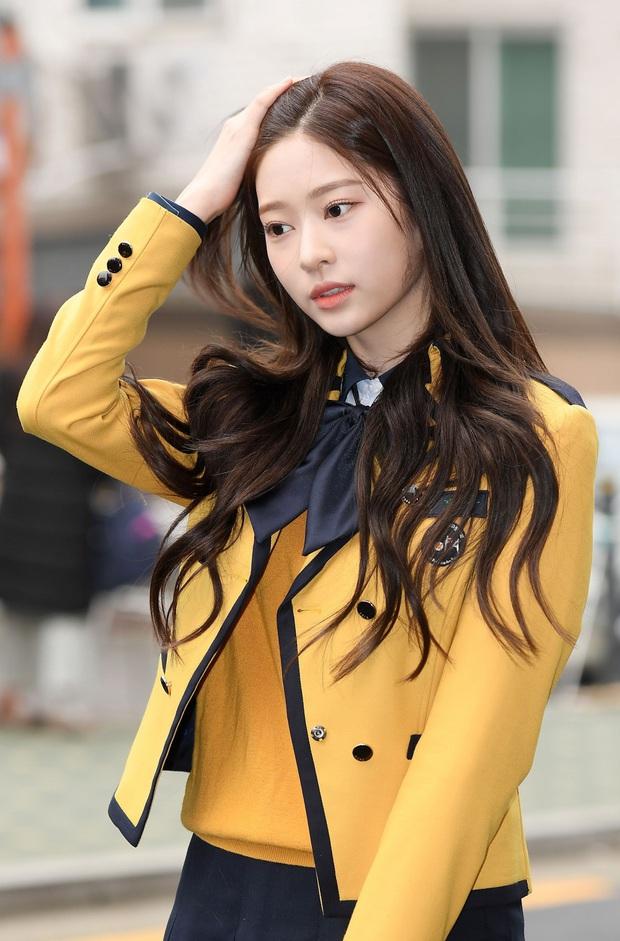 Idol 10X được kì vọng soán ngôi nhan sắc của Irene, Tzuyu, thì ra là người quen của series Produce! - Ảnh 9.