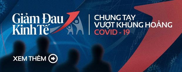 Siêu thị ở Hà Nội vắng người mua ngày đầu cách ly toàn xã hội, áp dụng dựng vách ngăn, dán miếng giữ khoảng cách tránh lây nhiễm Covid-19 - Ảnh 14.