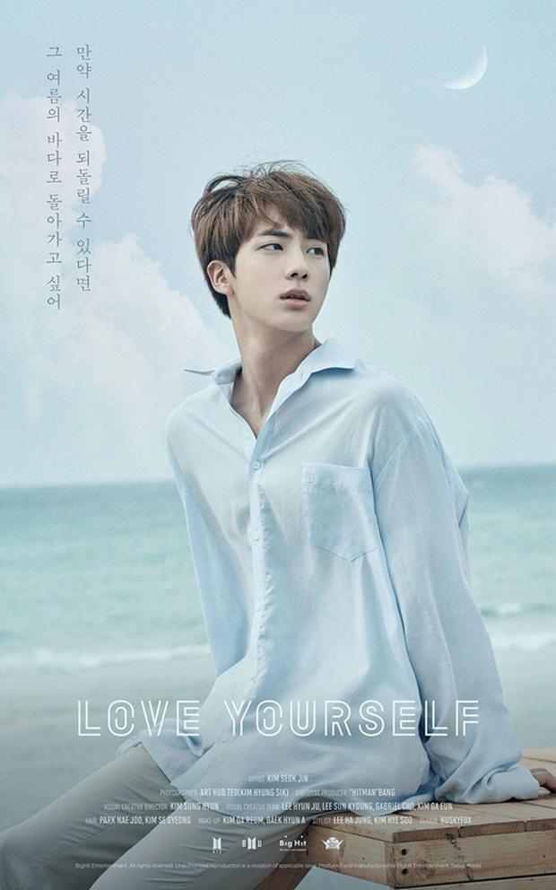 Jin (BTS) chuyển từ nam thần sang nam thần... kinh khi mặc đồ ngủ đọc rap khí thế - Ảnh 2.
