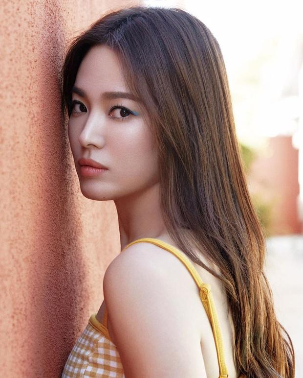 Song Hye Kyo chiếm trọn top tin gây phẫn nộ nhất Naver vì 1 lời ngầm phủ sạch mối quan hệ với Song Joong Ki? - Ảnh 4.