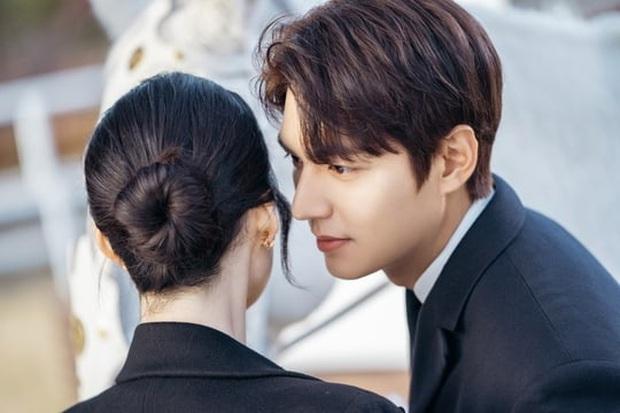Bệ Hạ Bất Tử tung ảnh Lee Min Ho thả thính nữ thủ tướng, khán giả khen hết lời: Mũi chị còn thẳng hơn giới tính của em! - Ảnh 2.