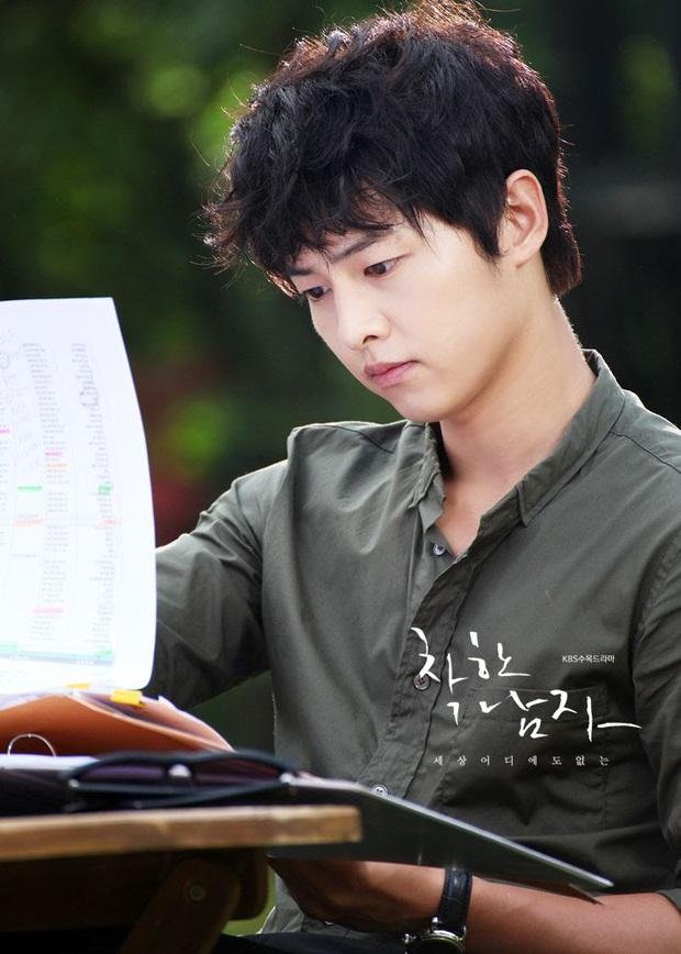 4 trai bao khét tiếng trên màn ảnh châu Á, gây thương nhớ nhất chính là Song Joong Ki thời còn phèn - Ảnh 1.