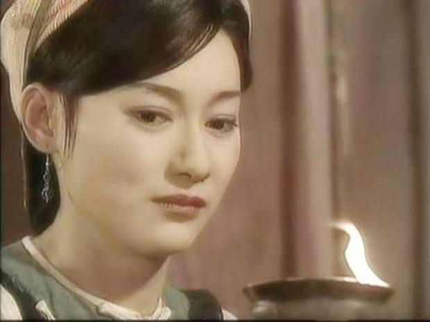 Ngất lịm với nhan sắc thời thanh xuân của 3 đại mĩ nhân Cô Ấy Không Hoàn Hảo, xuất sắc nhất vẫn là chị đại Châu Tấn - Ảnh 18.