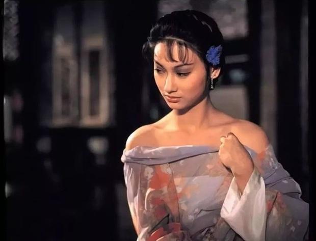 Ngất lịm với nhan sắc thời thanh xuân của 3 đại mĩ nhân Cô Ấy Không Hoàn Hảo, xuất sắc nhất vẫn là chị đại Châu Tấn - Ảnh 19.