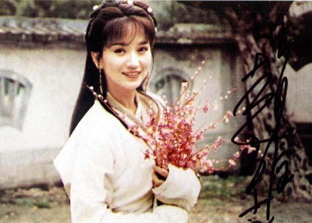 Ngất lịm với nhan sắc thời thanh xuân của 3 đại mĩ nhân Cô Ấy Không Hoàn Hảo, xuất sắc nhất vẫn là chị đại Châu Tấn - Ảnh 10.
