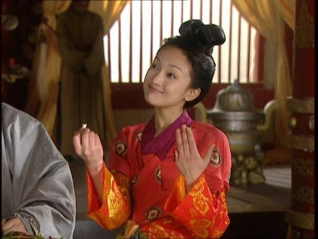 Ngất lịm với nhan sắc thời thanh xuân của 3 đại mĩ nhân Cô Ấy Không Hoàn Hảo, xuất sắc nhất vẫn là chị đại Châu Tấn - Ảnh 5.