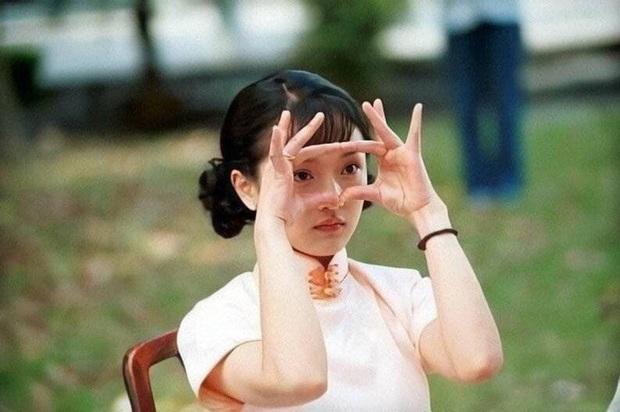 Ngất lịm với nhan sắc thời thanh xuân của 3 đại mĩ nhân Cô Ấy Không Hoàn Hảo, xuất sắc nhất vẫn là chị đại Châu Tấn - Ảnh 7.
