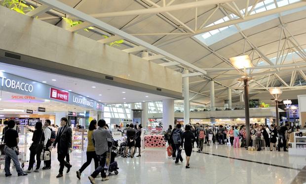 Hàn Quốc quyết định thay đổi chính sách nhập cảnh do ảnh hưởng của dịch Covid-19: tạm ngừng hiệu lực thị thực ngắn hạn với người nước ngoài  - Ảnh 2.