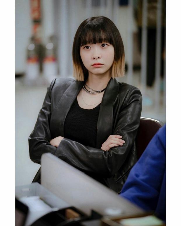 Khóc thét vì màn cosplay ngàn cân quên luôn bản gốc của điên nữ và Park Sae Ro Yi của Tầng Lớp Itaewon - Ảnh 3.
