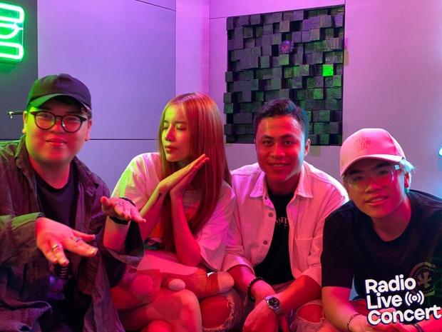 Màn đổi hit có 1-0-2 từ các hit-maker: LyLy lần đầu cover Để Mị Nói Cho Mà Nghe, DTAP khoe giọng cực chất với Anh Nhà Ở Đâu Thế - Ảnh 5.