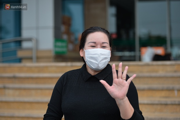 Nữ điều dưỡng Bệnh viện Bạch Mai nhiễm Covid-19: Cùng làm trong nghề y, tôi rất thương các bác sỹ - Ảnh 2.