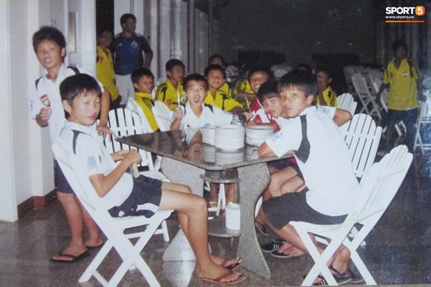 """Trào lưu """"trở về tuổi thơ"""" của các cầu thủ, thử thách kiến thức fan bóng đá Việt Nam - Ảnh 4."""