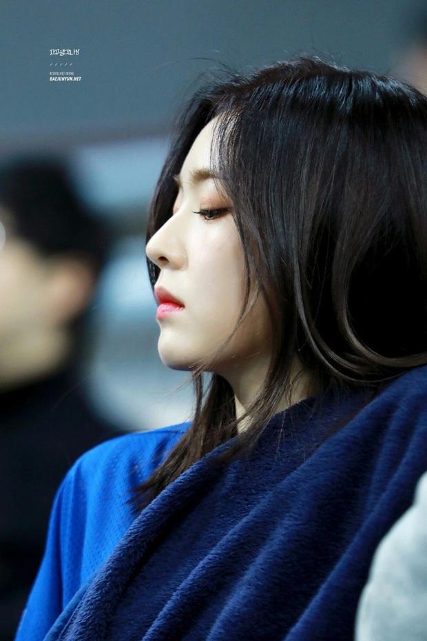 Loạt idol Kpop sở hữu góc nghiêng vô thực: Irene xứng danh nữ thần, V (BTS) và Cha Eun Woo khó phân cao thấp - Ảnh 4.