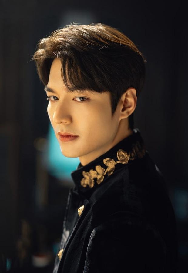 Hậu cung bốn phương đang ngất ngây vì bộ ảnh hậu trường Quân vương Lee Min Ho: Làm ơn, phi ngựa vào trái tim em đi! - Ảnh 7.