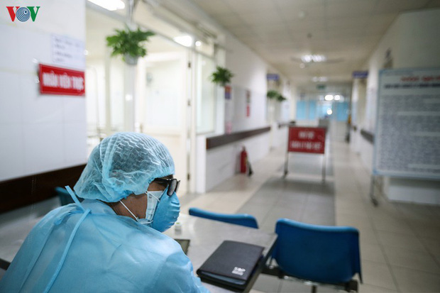Cách ly toàn bộ Bệnh viện Thận Hà Nội vì có BN 254 đang chạy thận - Ảnh 1.