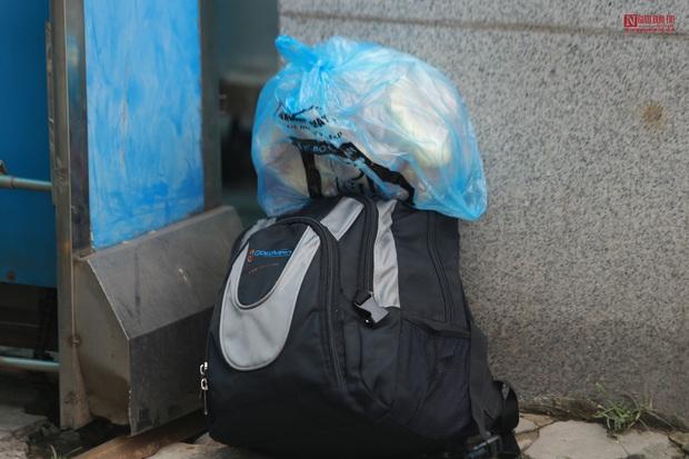 Bên trong bệnh viện Thận Hà Nội bị cách ly do có bệnh nhân 254 - Ảnh 11.