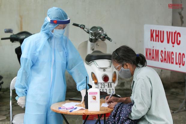 Bên trong bệnh viện Thận Hà Nội bị cách ly do có bệnh nhân 254 - Ảnh 3.