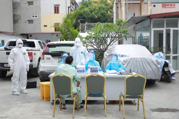 Bên trong bệnh viện Thận Hà Nội bị cách ly do có bệnh nhân 254 - Ảnh 4.