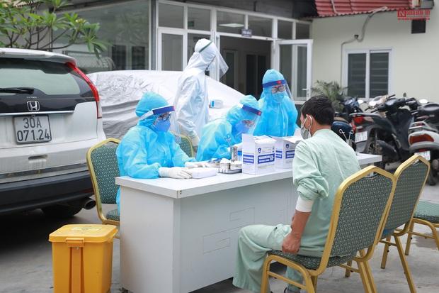 Bên trong bệnh viện Thận Hà Nội bị cách ly do có bệnh nhân 254 - Ảnh 5.