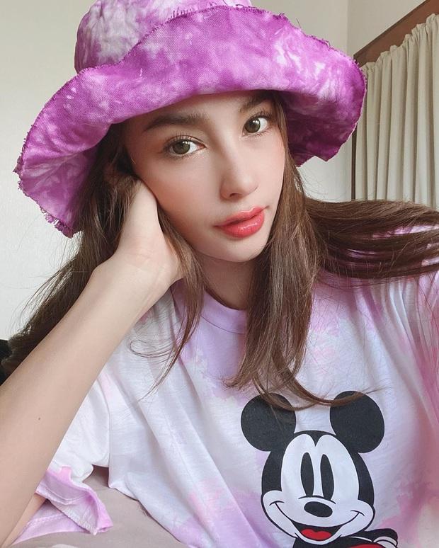 Nhan sắc và style của mỹ nhân Thái bóc phốt Huyền Baby: Dù cùng tuổi mà đẹp thần sầu, lấn át cả hot mom Việt - Ảnh 6.
