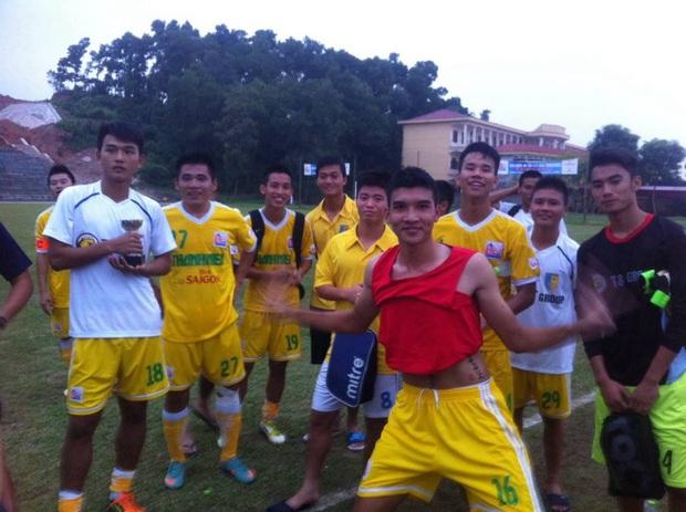 """Trào lưu """"trở về tuổi thơ"""" của các cầu thủ, thử thách kiến thức fan bóng đá Việt Nam - Ảnh 6."""