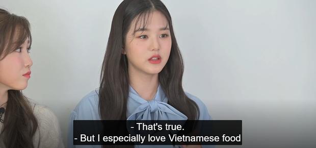Center của IZ*ONE nhầm lẫn pad Thái là món ăn Việt Nam nhưng tổ biên tập cũng không thèm edit? - Ảnh 1.