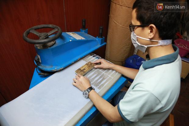 Người Hà Nội chế tạo đai đeo khẩu trang giảm đau tặng các y bác sĩ tuyến đầu chống dịch: Nếu đạt chất lượng thì chúng tôi sẽ làm ra nhiều hơn nữa - Ảnh 5.