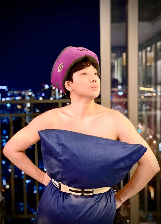Cả dàn sao Việt, người mẫu, hot girl có chất đến mấy vẫn thua đẹp trước Trang Hý khi cùng đu trend lấy gối làm váy - Ảnh 3.
