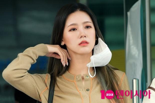 Park Seo Joon, T-ara và dàn sao Hàn đi bầu cử mùa dịch: Khẩu trang, găng tay đầy đủ, thành viên BLACKPINK hụt chiếm spotlight - Ảnh 7.