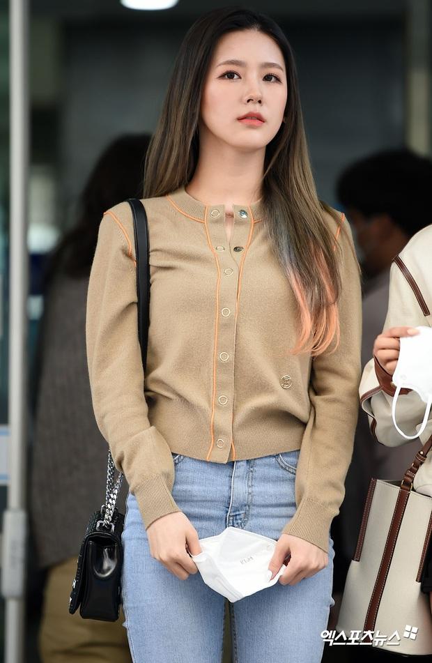 Park Seo Joon, T-ara và dàn sao Hàn đi bầu cử mùa dịch: Khẩu trang, găng tay đầy đủ, thành viên BLACKPINK hụt chiếm spotlight - Ảnh 5.