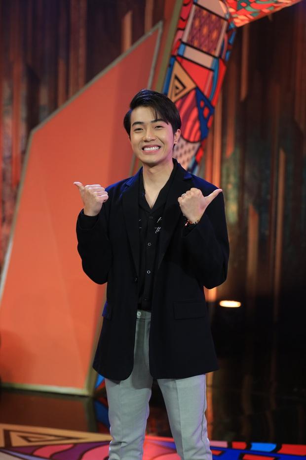 Cris Phan gồng mình thể hiện chất đàn ông trước dàn nghệ sĩ - Ảnh 3.