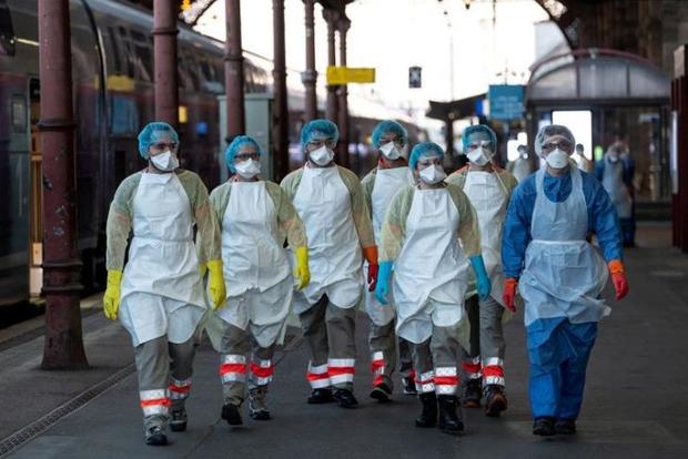 COVID-19: Pháp vượt mốc 13.000 người chết, Nga có thêm hơn 1.600 ca nhiễm/ngày - Ảnh 1.