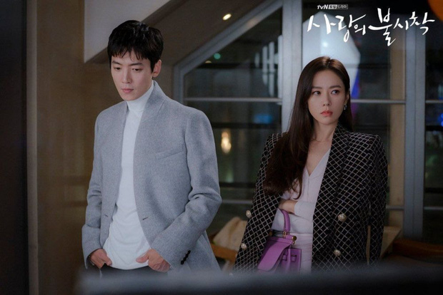 10 sự thật hay ho của hội anh chị đại Hospital Playlist: Jeong Won giả gái cực đỉnh, Jun Wan từng là tình cũ Son Ye Jin - Ảnh 5.