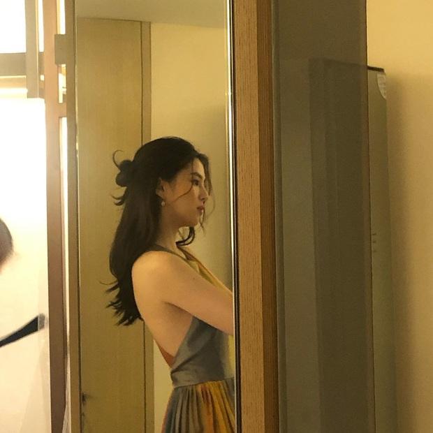 Jisoo đọ sắc cùng tiểu tam đang hot nhất màn ảnh Hàn, chứng minh idol đẹp chẳng kém diễn viên - Ảnh 2.