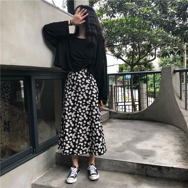 Hết chị đẹp Son Ye Jin rồi cả Rosé đều mê mệt mẫu váy hoa nhỏ xíu xiu này, còn các nàng chờ gì mà không sắm ngay! - Ảnh 20.