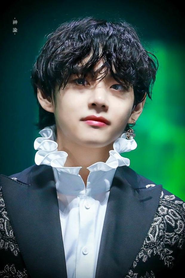 """Bình chọn idol chuyên nghiệp nhất trên sân khấu: Tân binh mới nổi lọt top 3 cùng V (BTS) và mỹ nam SM, Jennie xếp hạng cao dù dính """"phốt"""" lười biếng - Ảnh 6."""