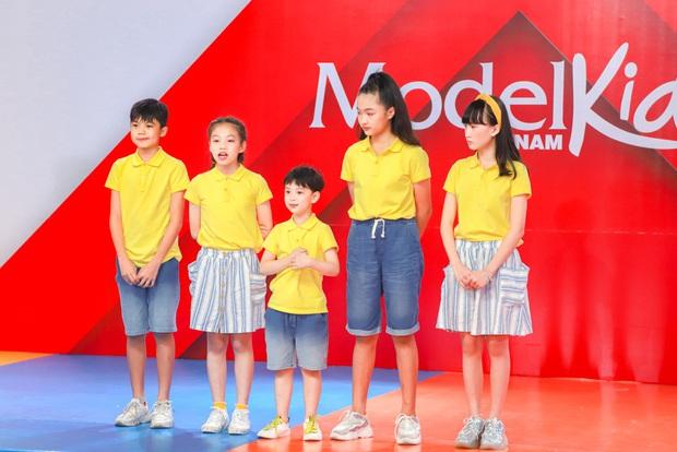Model Kid Vietnam: Lần đầu tiên team Hương Ly chiến thắng, liên minh Lan - Thủy nhất loạt kiến nghị lên giám khảo - Ảnh 5.