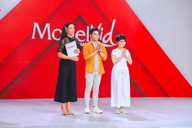 Model Kid Vietnam: Lần đầu tiên team Hương Ly chiến thắng, liên minh Lan - Thủy nhất loạt kiến nghị lên giám khảo - Ảnh 1.