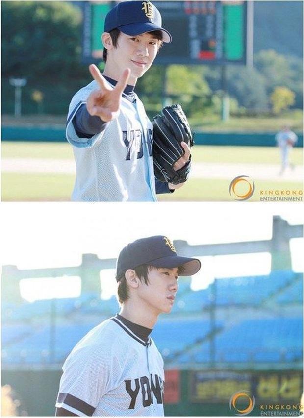 """9 """"đa giác tình yêu"""" phim Hàn làm fan mệt tim: Tầng Lớp Itaewon gây tranh cãi, Reply 1988 không ai dám xem tập cuối - Ảnh 5."""