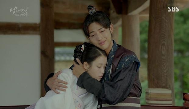 """9 """"đa giác tình yêu"""" phim Hàn làm fan mệt tim: Tầng Lớp Itaewon gây tranh cãi, Reply 1988 không ai dám xem tập cuối - Ảnh 16."""